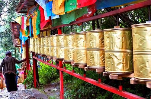 中國、西藏|巴松措湖心島.轉島祈福之旅