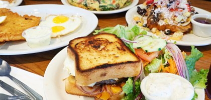 美國、弗雷斯諾|Red Apple Cafe.Fresno開了30年的排隊早餐店