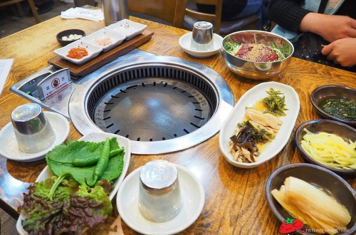 釜山|맛찬들왕소금구이.吃韓式烤肉店想要巧遇韓星歐巴就要來這一家!