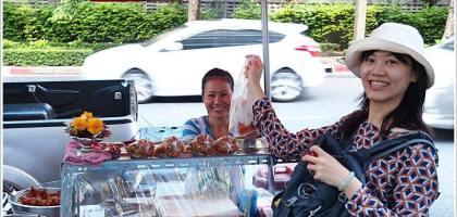 【泰國曼谷】三訪美味炸雞,沙拉當路的米粉湯好好吃!