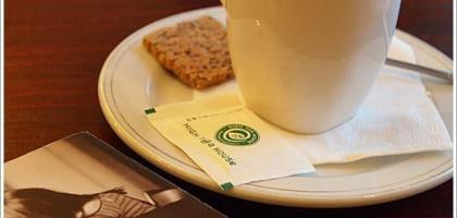 【台北中山】適合午後小歇的地方,公寓咖啡館。
