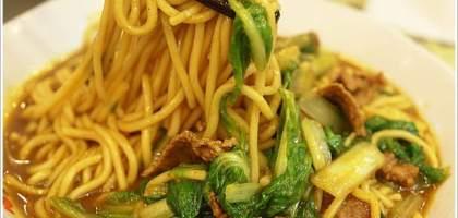 【台北大同】一吃就會愛上的炒咖哩牛肉麵,金春發牛肉店。