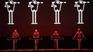 Wie die Roboter singen lernten   NZZ