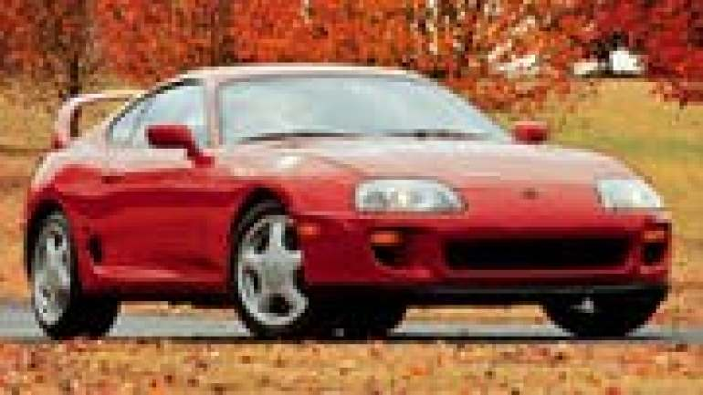 For the first time again without folding headlights, but with a large rear wing: The last Toyota Supra, whose production expired in 2002.  (Picture: PD)