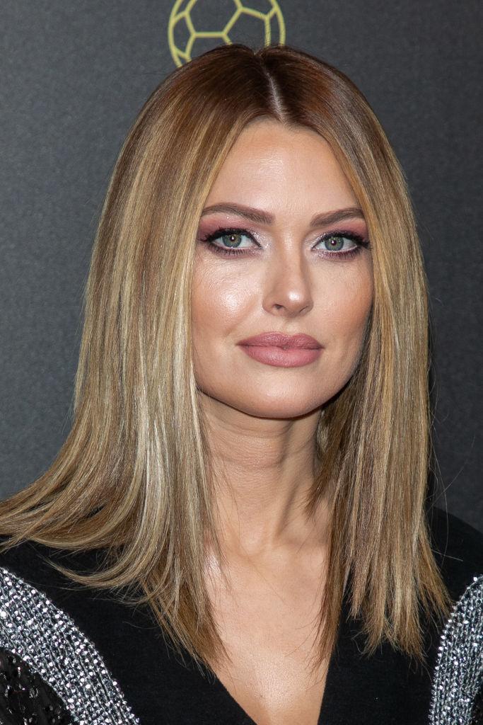 https www ohmymag com beaute cheveux mi longs quelles sont les coiffures tendances en 2020 art133025 html