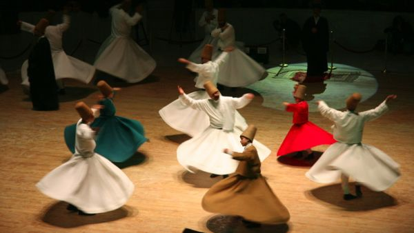 tarian Sufi Berputar atau The Whirling Dervishes (Foto: efenditravel)