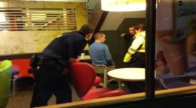 Pria yang terjebak di kursi (Foto: Mirror)