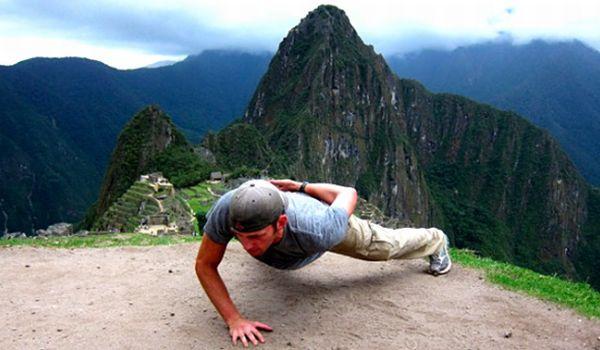 Steve Kamb berolahraga di Machu Picchu (Foto: News)