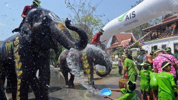 Festival Songkran (Foto: CNN)