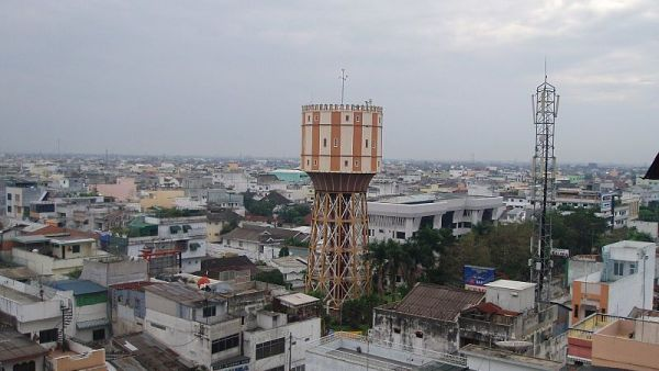 Menara Air Tirtanadi, Medan (Foto: wikipedia)