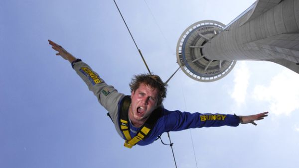 Bungee jumping di Macau Tower (Foto: CNN)