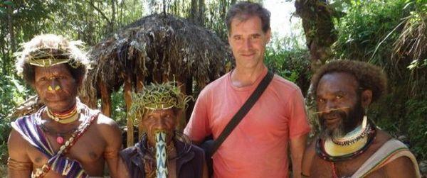 Mike Spencer Brown, pria yang telah berpetualang selama 23 tahun (Foto: HuffingtonPost)