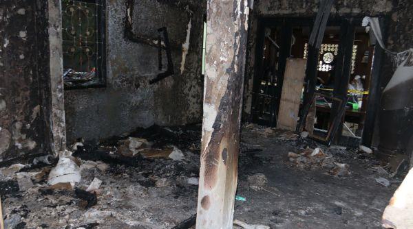 Alasan pelaku tega membakar rumah mendiang Uje (Foto: Heru)