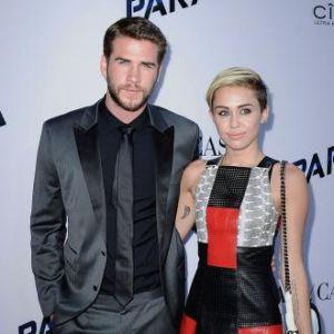 Miley Cyrus Kirimi Liam Hemsworth Surat Cinta?