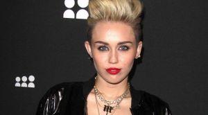 Gara-Gara Ribut, Miley Cyrus Traktir Tamu Restoran