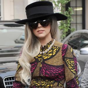 Lady Gaga Kesulitan Hilangkan Kecanduan terhadap Ganja