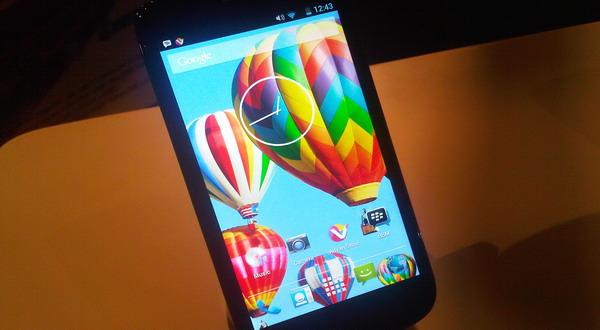 Smartphone Android Masa Depan Hadirkan Storage 100TB