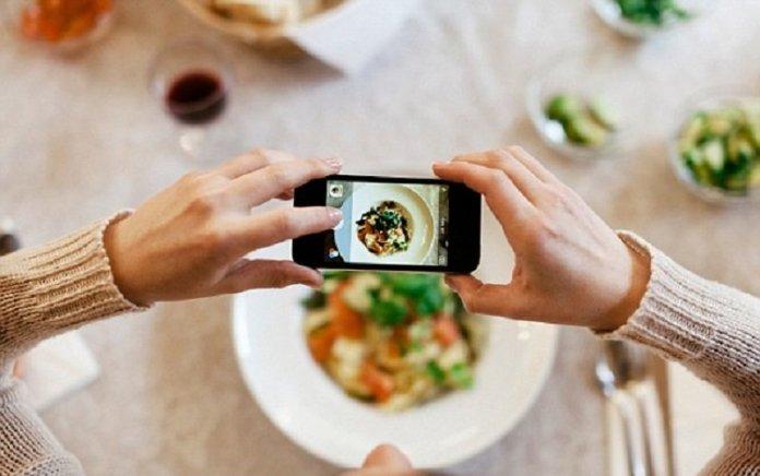 Hasil gambar untuk memotret makanan