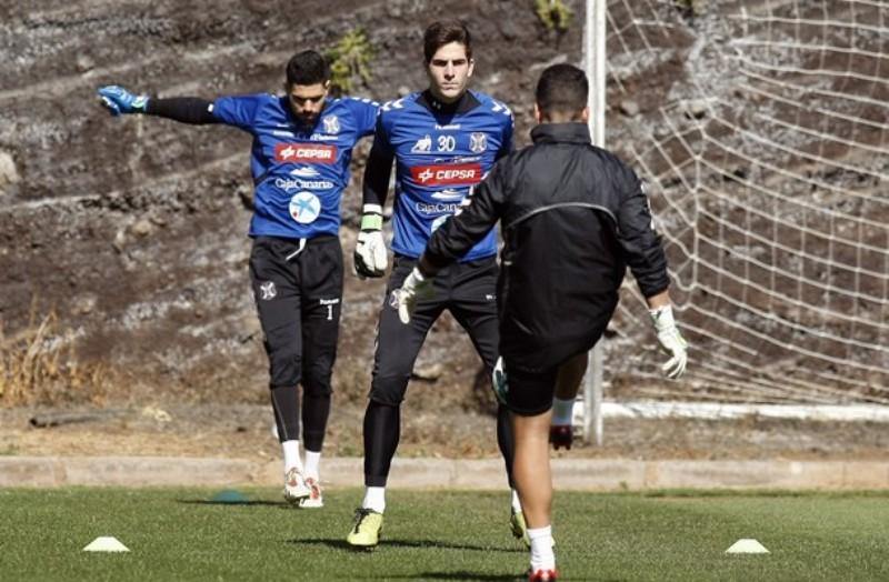 Carlos Menjadi Penganti Casillas?