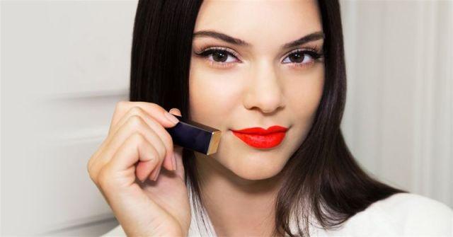 Hasil gambar untuk Warna Lipstik Merah