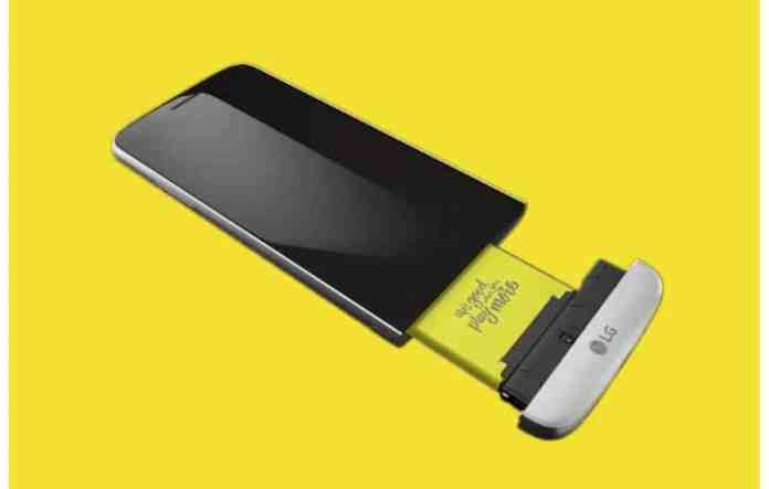 LG G5 smartphone, which could be expanded with modules including larger batteries, camera grip and Bang & Olufsen sound system.