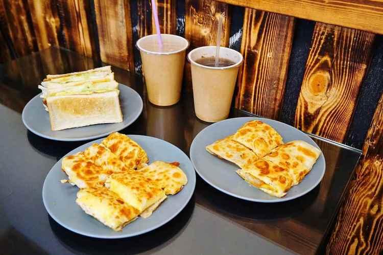 """【台中西區早午餐】食點伴    美術館綠園道""""招牌酥皮蛋餅"""