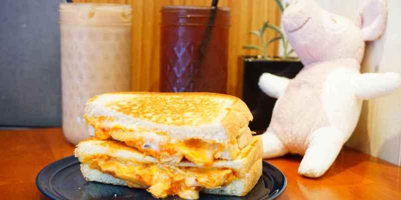 """【新北板橋早午餐】Lazy Pig 懶豬 三明治    捷運新埔站""""爆漿板煎吐司"""