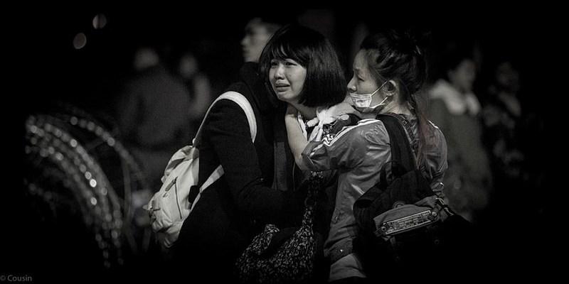 【生活 腳印】叁‧貳肆-太陽花學運/行政院的那一夜 女孩的眼淚 。