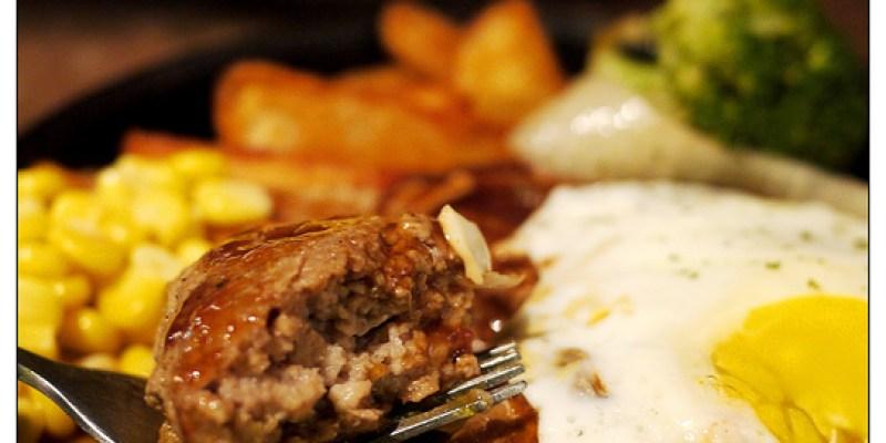 【台中散策食記】KITCHEN BULLDOG 日式洋食廚房(寵物友善店)│西區:酸香生津鐵板漢堡排~大阪山藥燒與漢堡都是好料