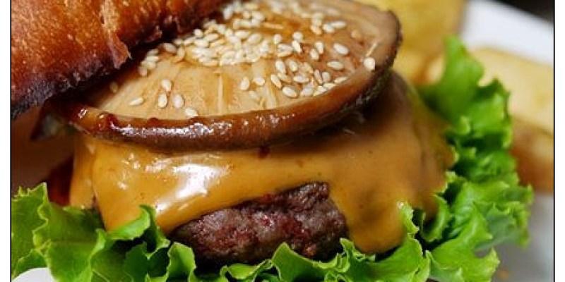 【台中散策食記】田樂For Farm BURGER:老房子的悠閒光影~漢堡開放全日供應了!