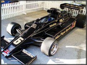 Différentes monoplaces championnes avec Lotus.