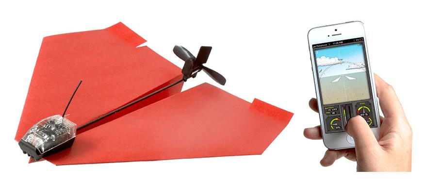 PowerUp : l'avion en papier télécommandé [nicetobeakidtoday]