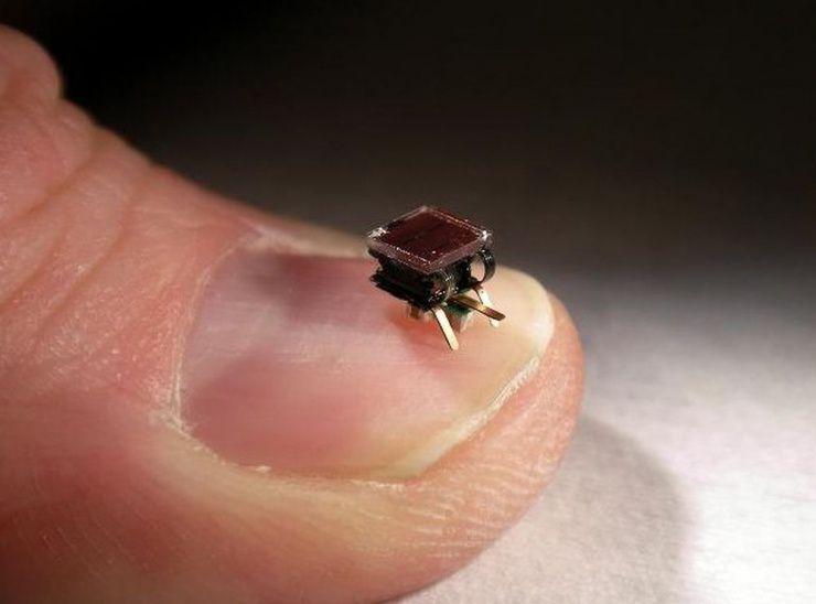 Des nano-robots pour construire des composants électroniques [T1000]