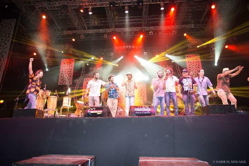 Bixiga 70, venu du Brésil, leur musique s'inspire de Fela Kuti, dans un style afrobeat efficace.