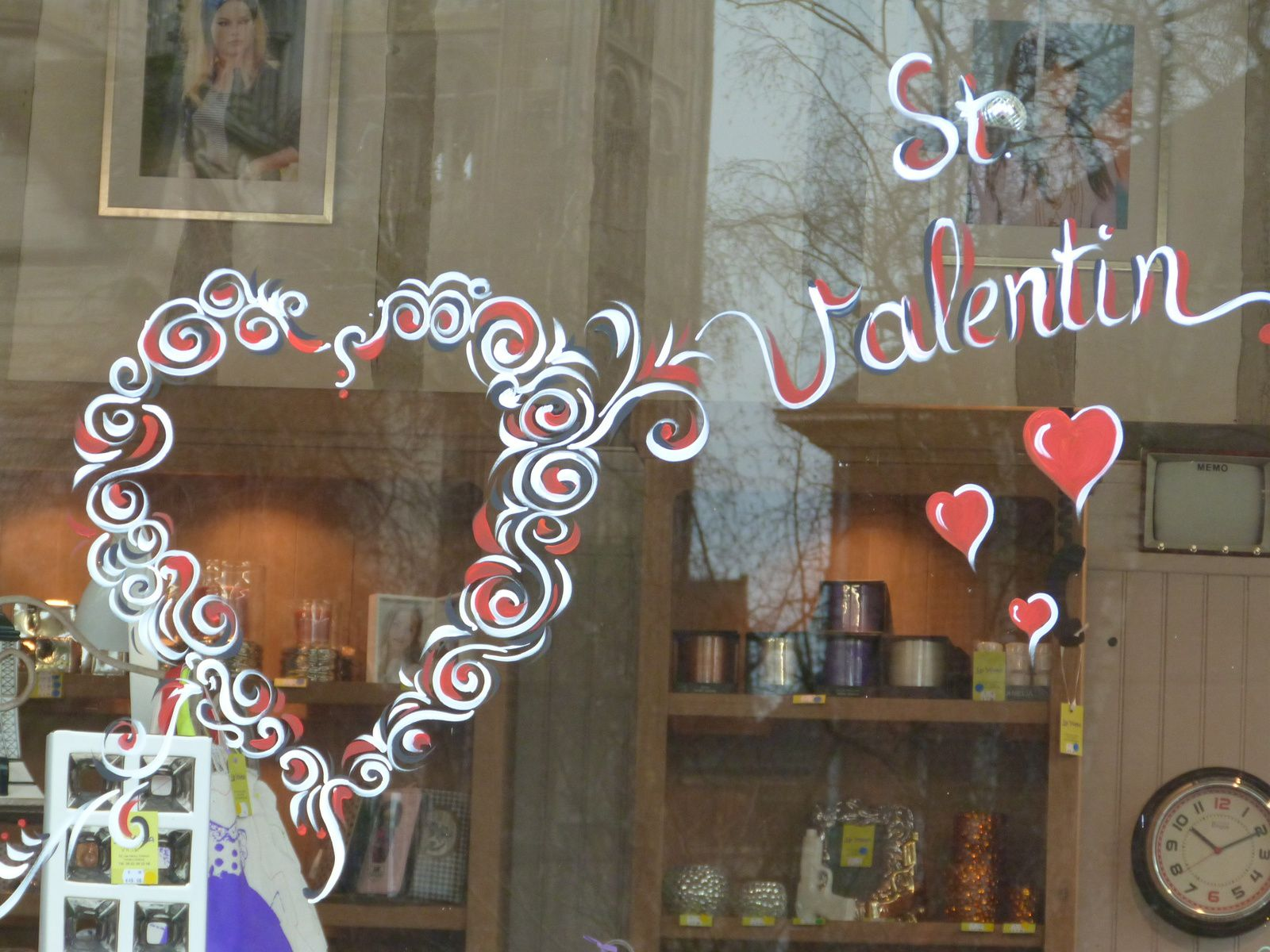 Deco Vitrine St Valentin Cool Cur Roses Sont Murale Rouge