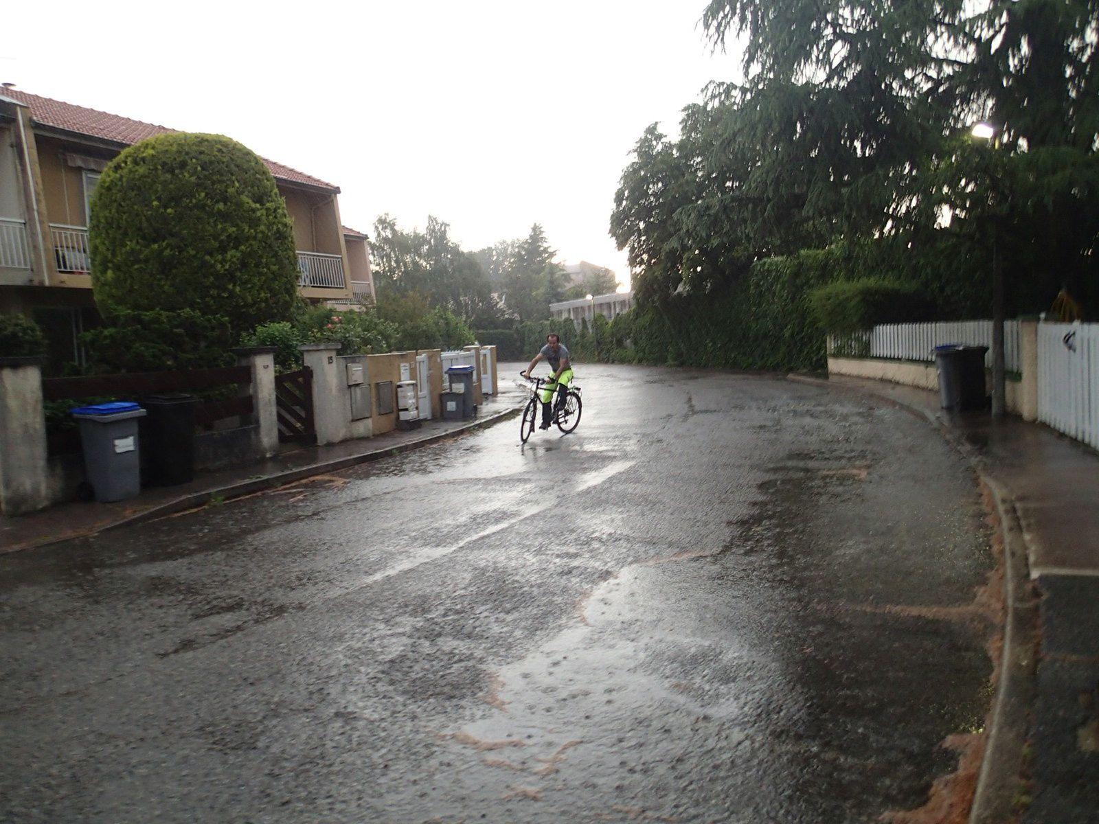 Si si, j'vous juuuuuuure que j'ai adoré rouler sous la pluie avec !!!!!