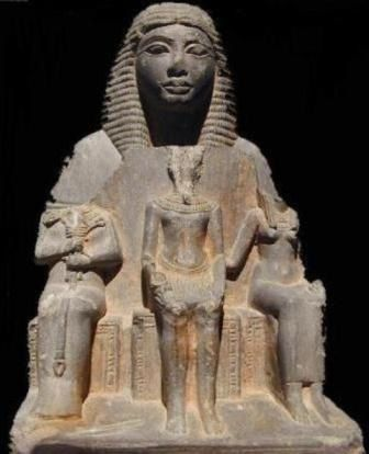 Those statues have been completely decapitated so no one will know who were these Pharaohs/queen