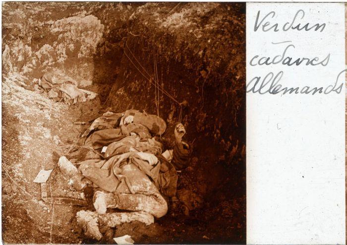 Mardi 10 août 1915, canons de gros calibres français. Aéroplanes et canonnades