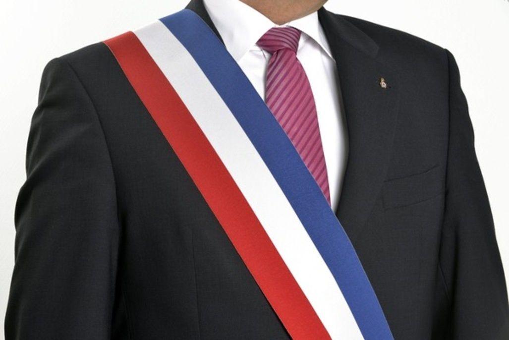 """Résultat de recherche d'images pour """"maire echarpe"""""""