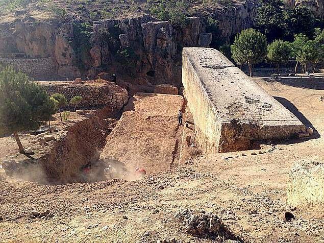 Un troisième bloc monolithe découvert à Baalbek au Liban