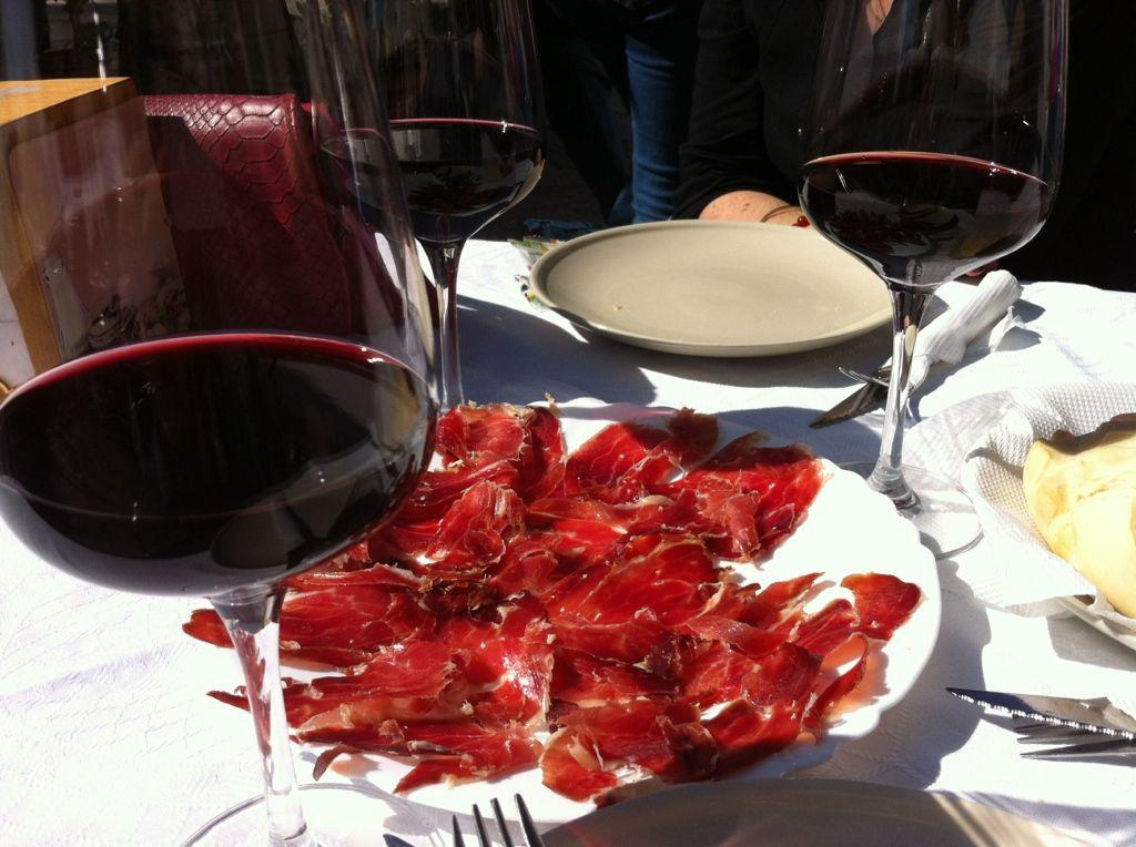 Le jamon ibérico (toujours accompagné d'un peu de vin..)