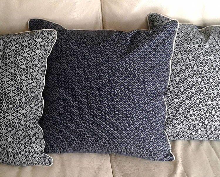 tuto coussin zipp avec passepoil les tutos couture de. Black Bedroom Furniture Sets. Home Design Ideas