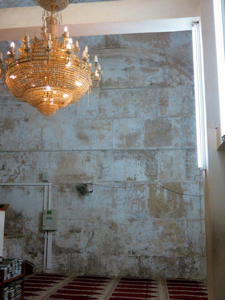 Les distinctions facilement perceptibles entre les diverses périodes et couches de maçonnerie du Temple juif (photo: Qanta Ahmed)