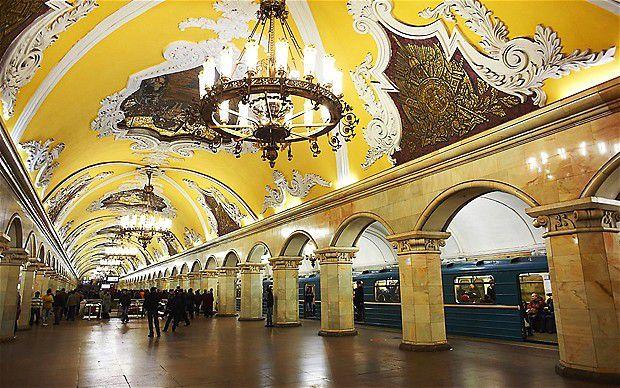 Station Komskomolskaya, Moscou : rien n'est trop beau pour la classe ouvrière