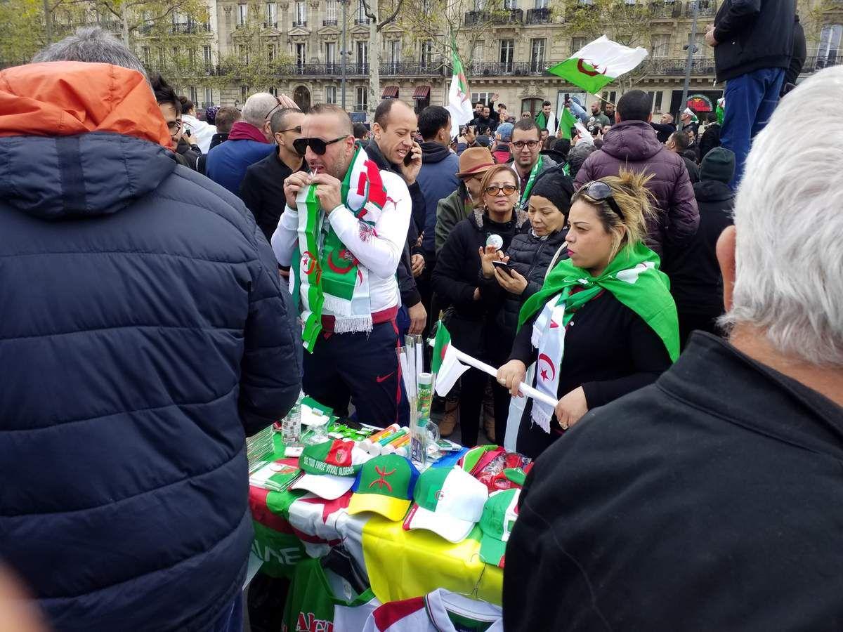 Dimanche algérien place de la République 14/04/2019