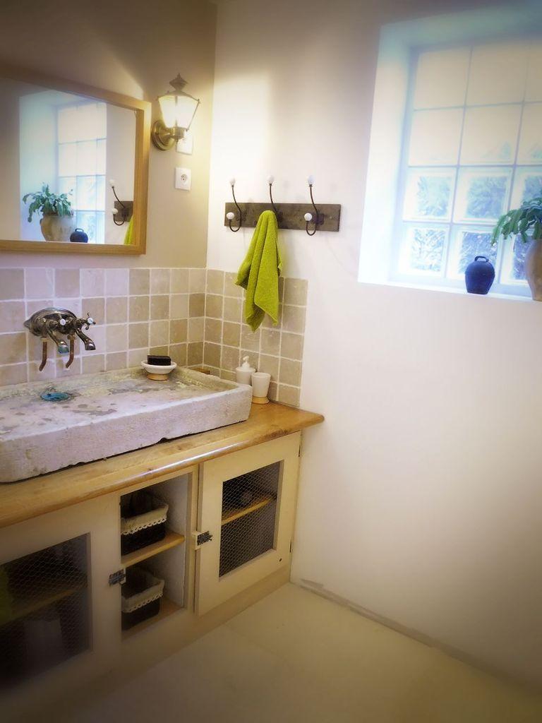 salle de bain a l ancienne rustique
