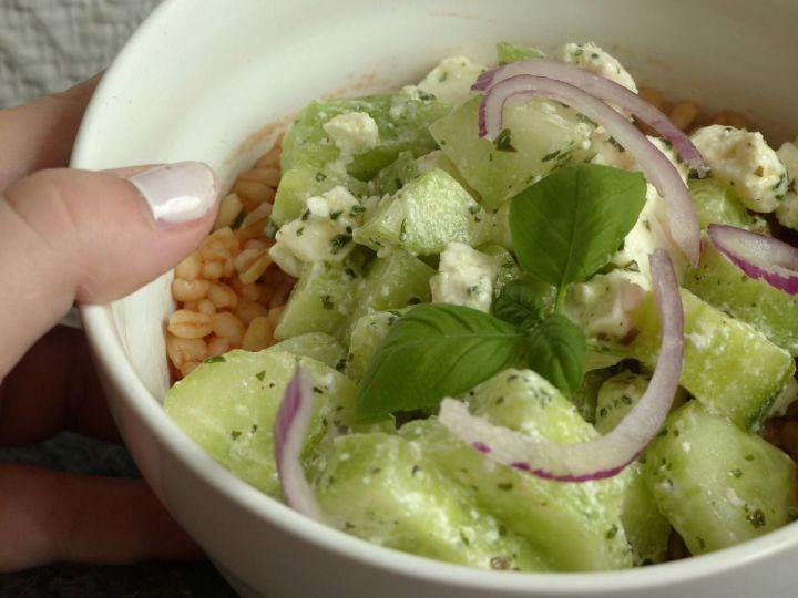 Le mardi c'est cuisine Salade de concombre/feta et blé à la tomate