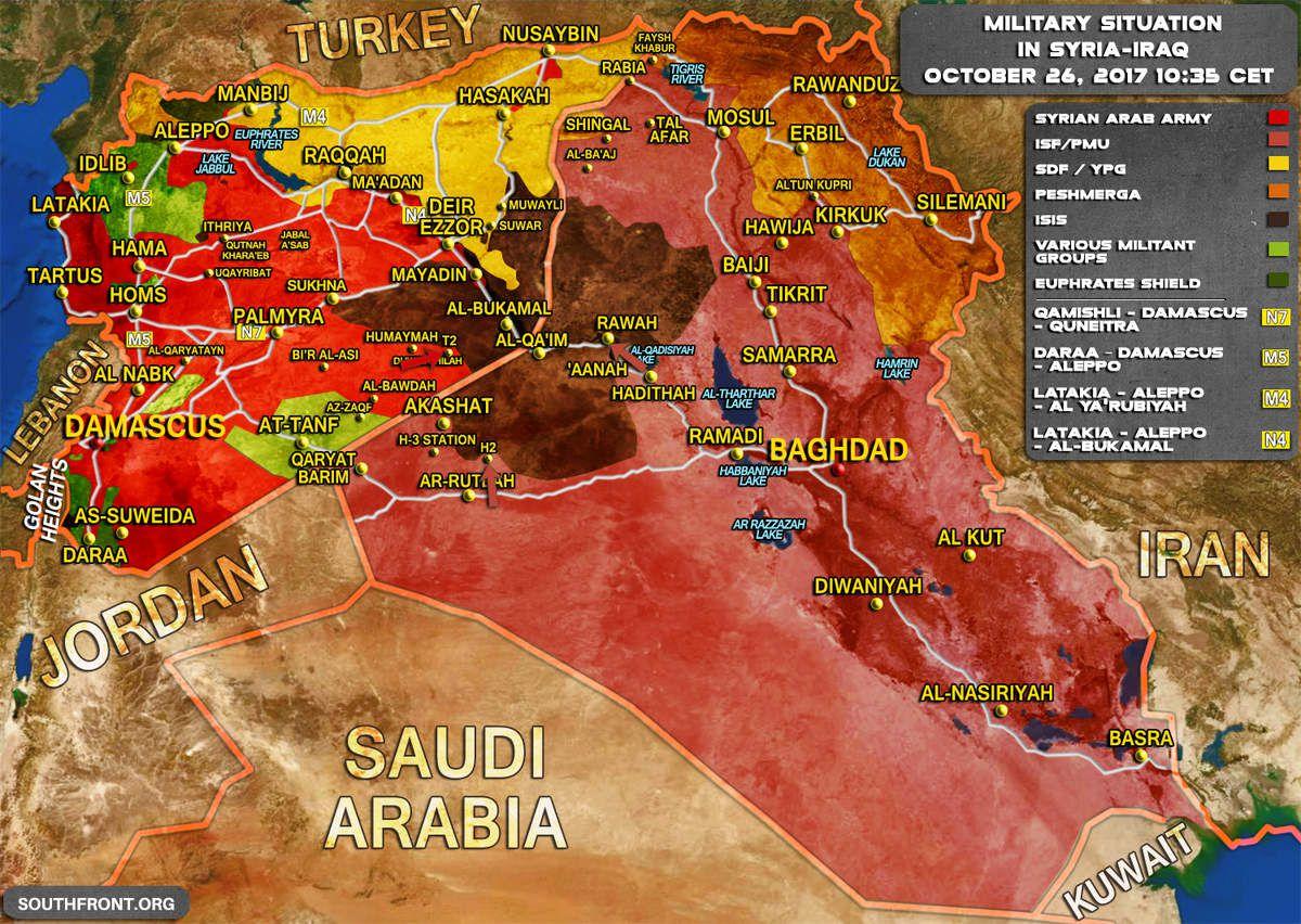 Carte de la situation militaire en zone syro-irakienne le 26 octobre 2017. En rouge : l'Armée arabe syrienne ; en rose : l'Armée irakienne et les Unités de mobilisation populaire ; en jaune : les FDS ; en orange : les Peshmergas ; en vert : les rebelles syriens ; en vert foncé : les rebelles syriens pro-turcs et Armée turque ; en noir : l'EI. ©South Front.