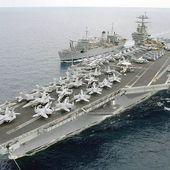 Les États-Unis se positionnent dans la région: Une énorme force d'intervention de 12 navires de guerre en direction de la Syrie dans l'une des plus grandes concentrations de puissance navale américaine depuis l'invasion de l'Irak en 2003 - MOINS de BIENS PLUS de LIENS