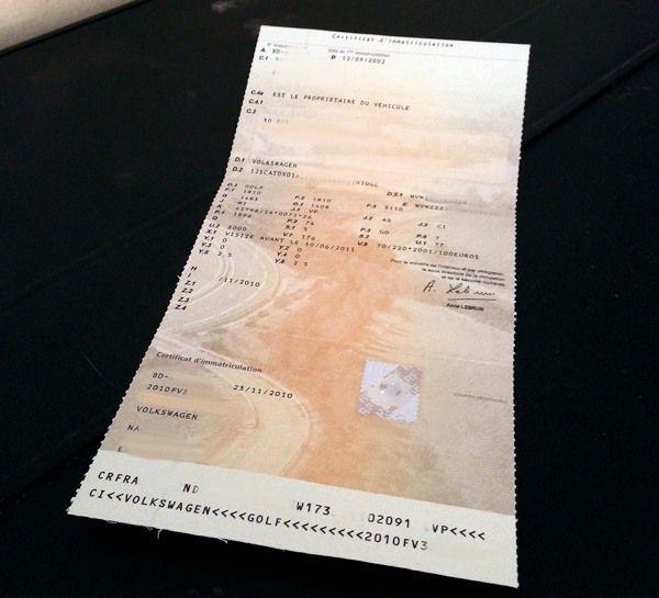 Vente de véhicule : qui doit garder la carte grise ?